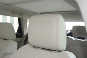 众泰T700驾驶员头枕图片