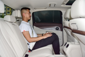 奔驰E级2017款 奔驰 E200 L 轿车 4MATIC图片