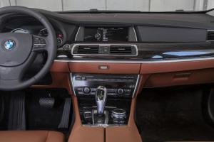 宝马5系GT中控台整体图片