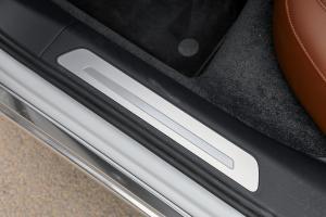 A8L2017款 50 TFSI quattro 豪华型 外观朱鹭白 内饰黑色