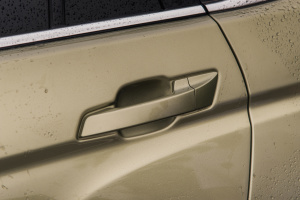 CS752017款 尚酷版 1.5T 手自一体 锋领型 外观闪光钛金灰 内饰黑色
