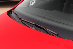 POLO2016款 1.6L 自动 豪华版 外观风格红 内饰黑色