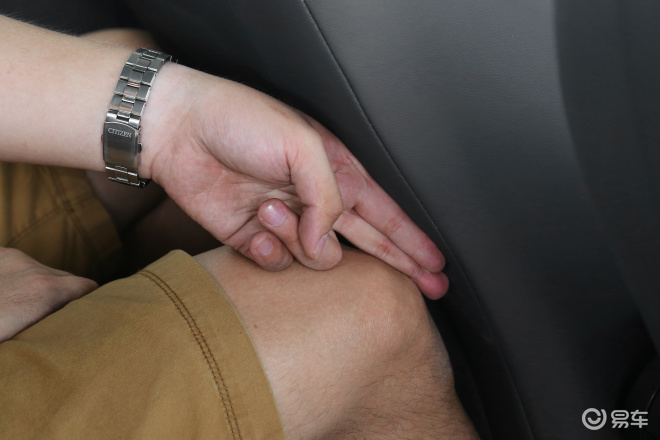 POLOPOLO后排腿部空间体验