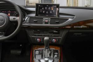 奥迪A7中控台整体图片