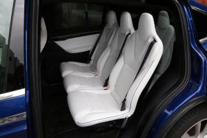 MODEL X后排座椅图片