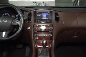 英菲尼迪QX50中控台整体图片