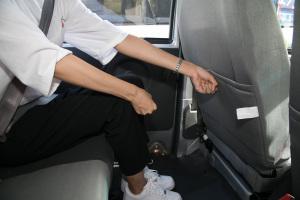 小康K07S后排腿部空间体验图片