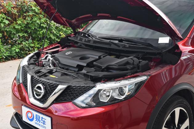 动力方面,逍客搭载1.2T和2.0L发动机,两款发动机的最大功率分别为86kW和110kW,最大扭矩分别为190Nm和200Nm,匹配6速手动或CVT变速箱。
