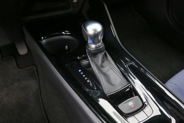 新车将提供1.2T和1.8L两个动力版本,而1.8L混合动力车型的综合最大输出功率为89kW。传动系统方面,与发动机匹配的将是6速手动或CVT变速器。