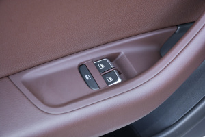 A6L2018款 奥迪A6L 30周年年型 35 TFSI 时尚型