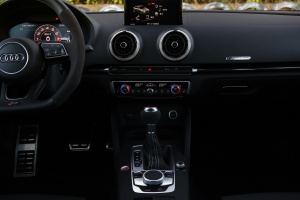 奥迪RS 3中控台整体图片