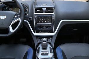 帝豪EV300中控台整体图片