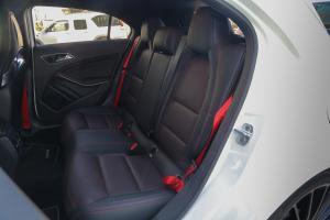 AMG A级后排座椅