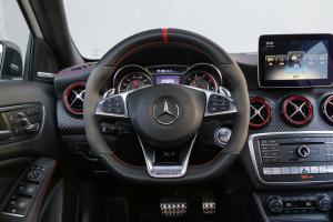 AMG A级方向盘