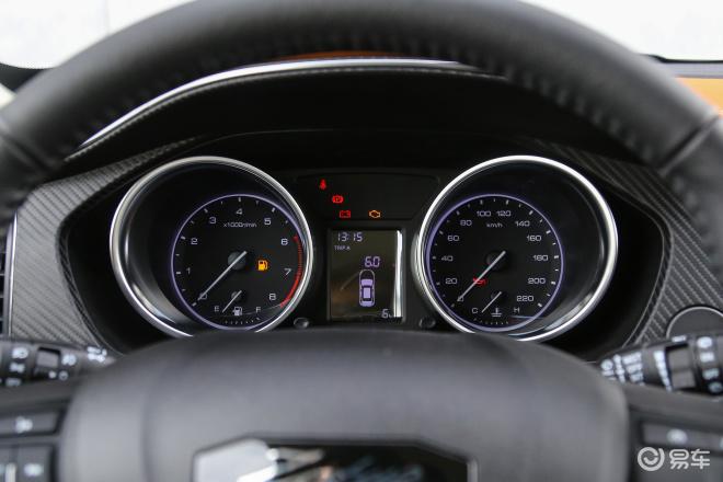 众泰T300T300仪表盘