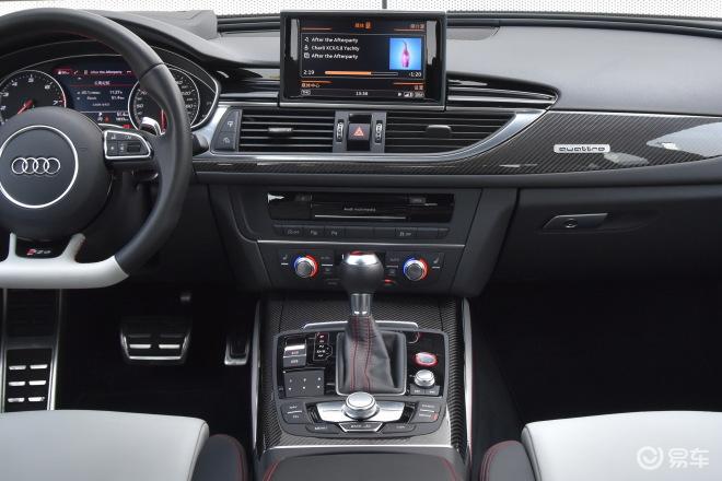 奥迪RS 6RS 6中控台整体