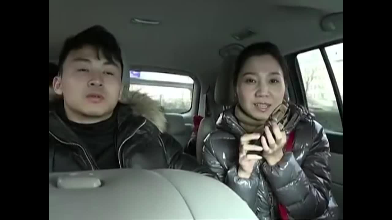 奥运冠军冯喆乘马自达8探访敬老院