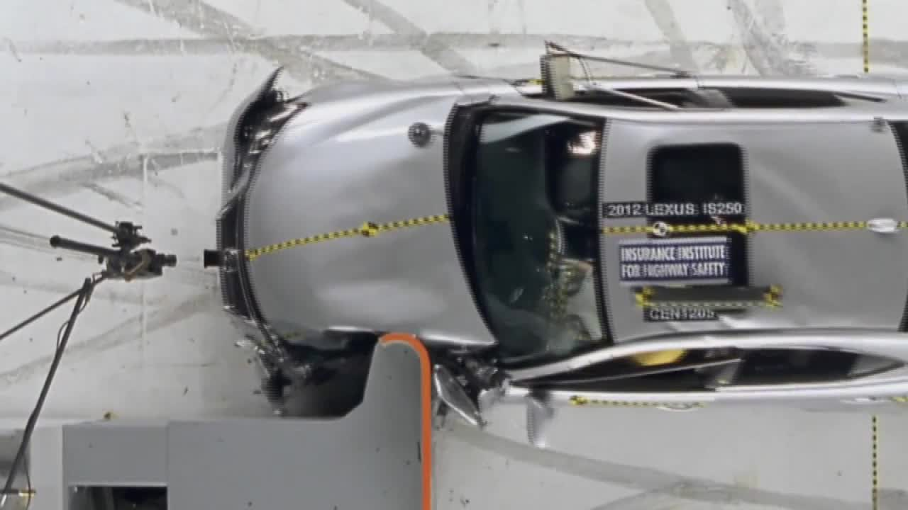 2012雷克萨斯IS250 IIHS正面重叠碰撞