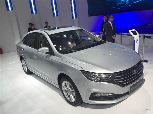 2015上海车展 一汽奔腾B60正式亮相