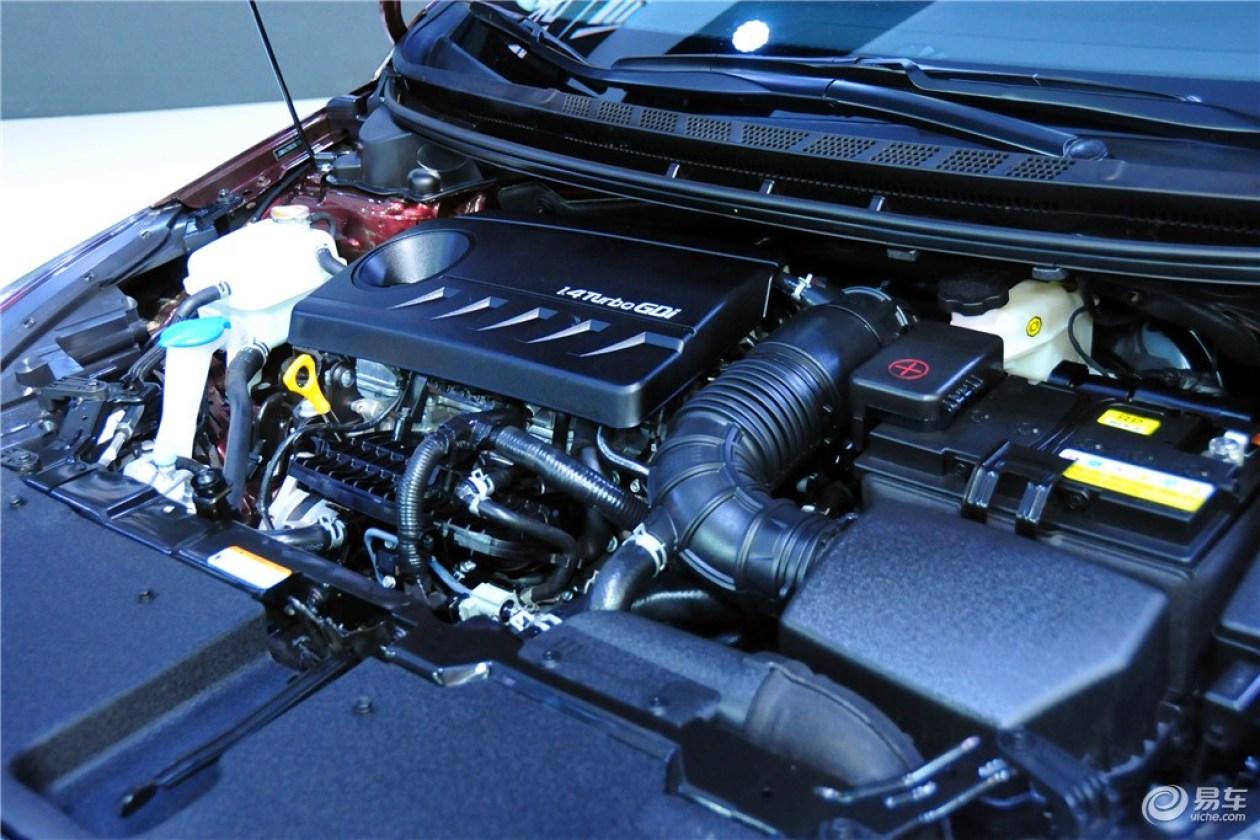 全系大部分车型都可选装盲点监测系统以及发动机启停功能,取消了自动