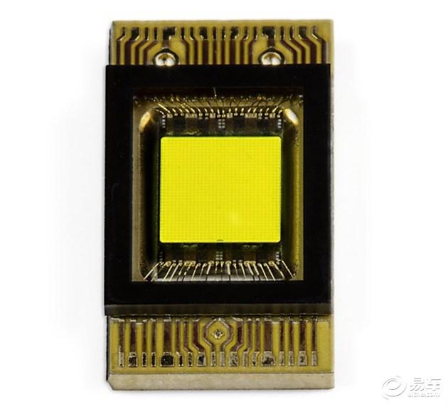 奔驰研发全新LED大灯技术 智能化水平提升