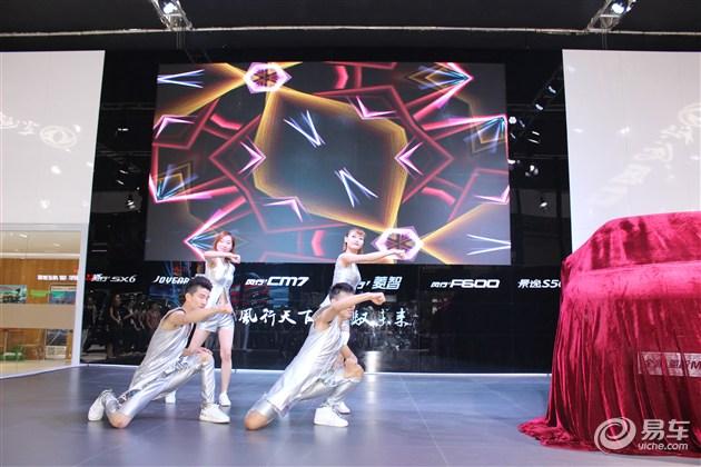全新菱智M5和风行F600 湖北武汉联袂上市