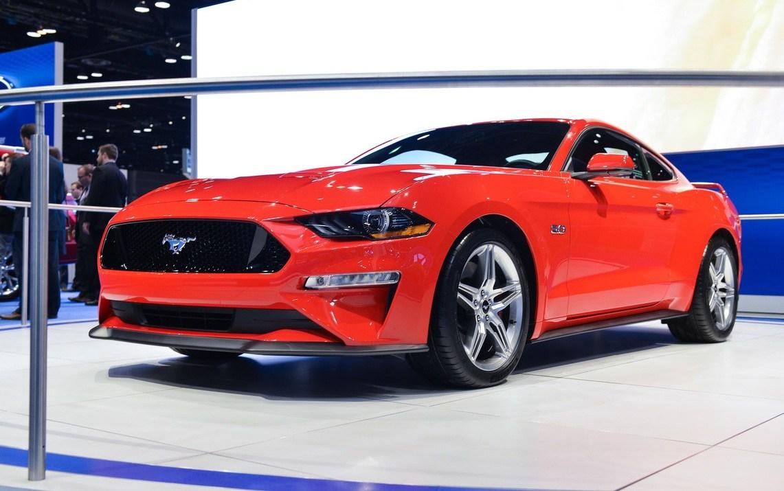 新款Mustang首次亮相 外形更激进/搭10AT