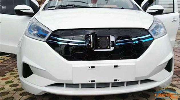 曝众泰云100Plus谍照 疑似为云100高配版或改款车型