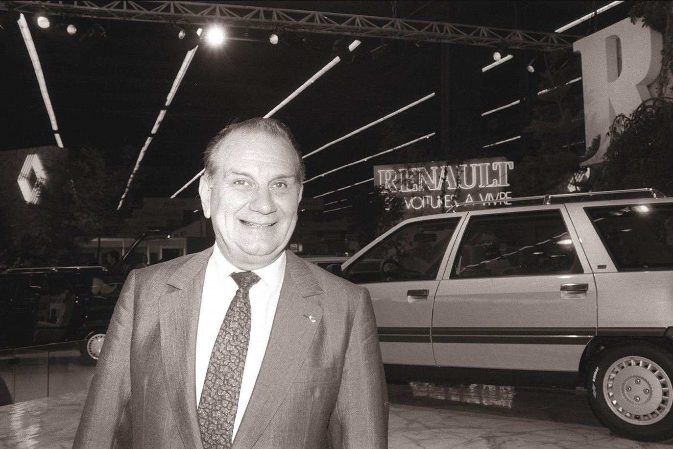 一次改变法国汽车史的暗杀 雷诺汽车为啥离开美国?