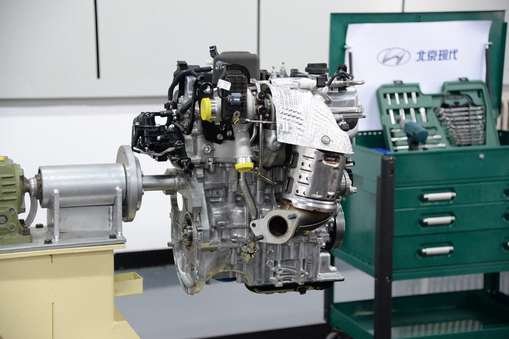 """曾获""""沃德十佳"""" 拆解北京现代1.4T发动机"""
