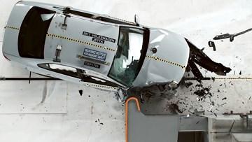 捷达乘客侧 小重叠IIHS碰撞