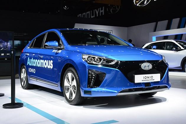 实拍现代IONIQ自动驾驶概念车 未来感这下更真实?