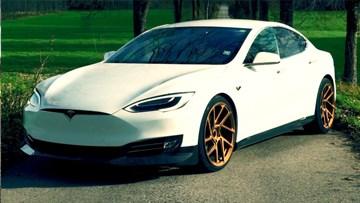 特斯拉Model S 改装金色轮毂