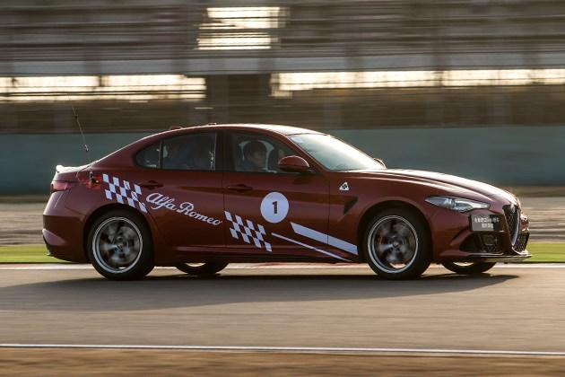 赛道试驾阿尔法罗密欧Giulia四叶草 性能强劲 驾驶轻盈!