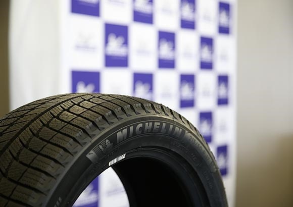 这才叫玩雪 米其林北海道秀新轮胎
