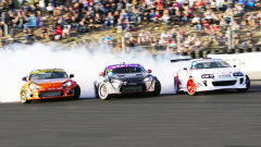 赛道连续过弯漂移秀 丰田86引擎咆哮