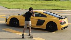 全新奥迪R8 滑板牛人挑战Skyball