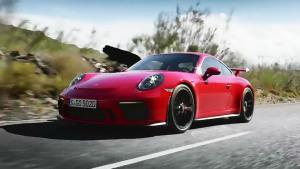 新款保时捷911 GT3深夜爆发