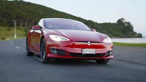 特斯拉Model S畅游新西兰