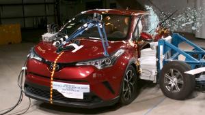丰田C-HR侧面碰撞测试
