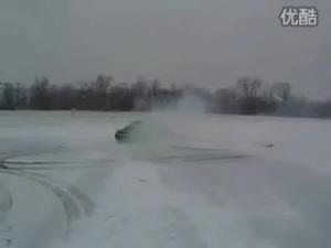 汽车发烧友的最爱 雪夜路测林肯LS
