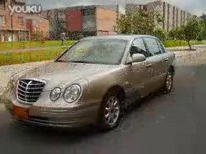 起亚欧菲莱斯古典不失时尚的豪华轿车