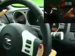 身材火爆速度飞快 此女疯玩Nissan 350Z