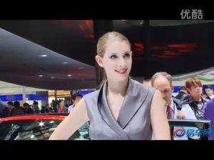 2011上海车展 奥迪A4L展台外籍白嫩车模