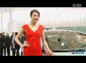 2011上海车展 起亚展台K5两车模争艳