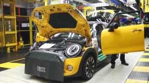 2015款MINI五门版 揭秘汽车组装全过程