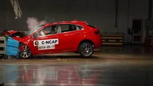 C-NCAP碰撞测试 广汽菲亚特致悦获五星