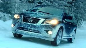 2015款日产Pathfinder 抵御暴风雪