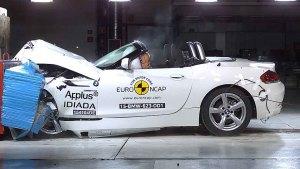 宝马Z4敞篷跑车 E-NCAP碰撞测试