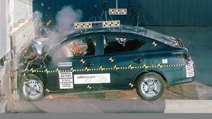 日产阳光海外版 NHTSA正面碰撞测试